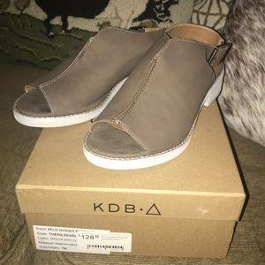 Kelsi Dagger Brooklyn Therese sandal